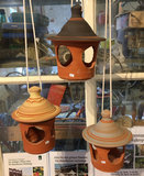 Terracotta voerhuisje_