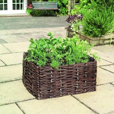 Wilgen planter voor zomergroente