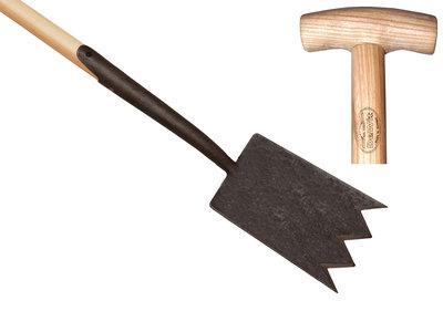 Shark tine spade
